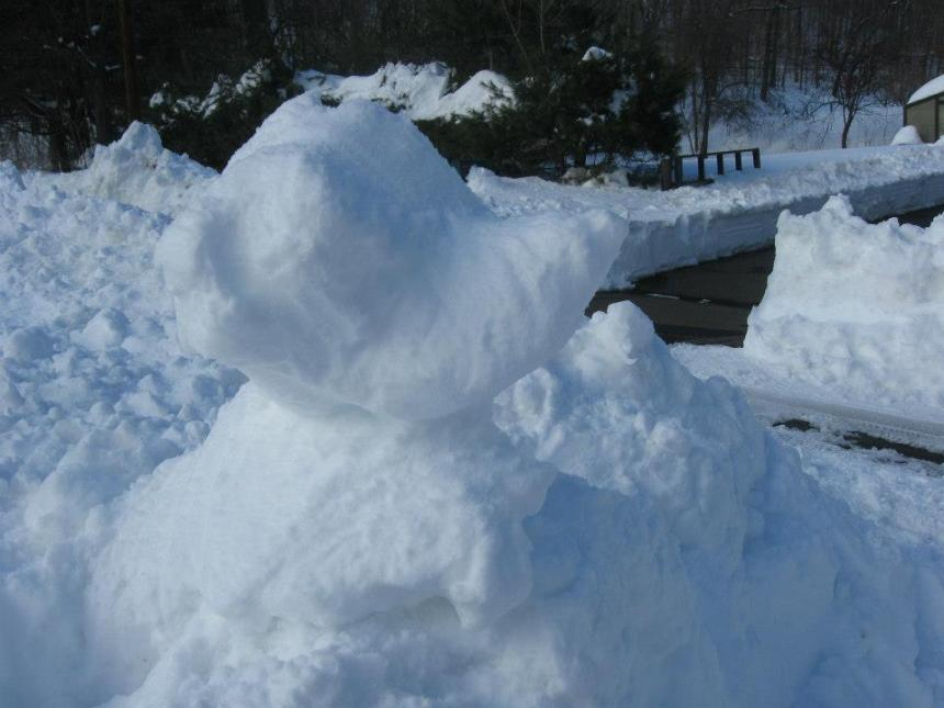 A mouse-bear I made of snow after the February 2013 blizzard in Connecticut. PC: jeanni Bennett